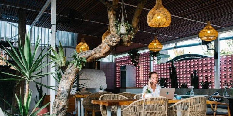 Read more about the article ▷ Comment Devenir Digital Nomade ? ➜ Mon expérience