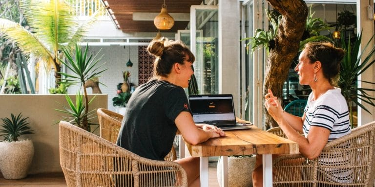 Read more about the article Entrepreneuriat : comment définir un persona ? [étapes + template gratuit]