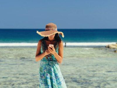 ▷ Comment gérer ses réseaux sociaux pendant les vacances ?